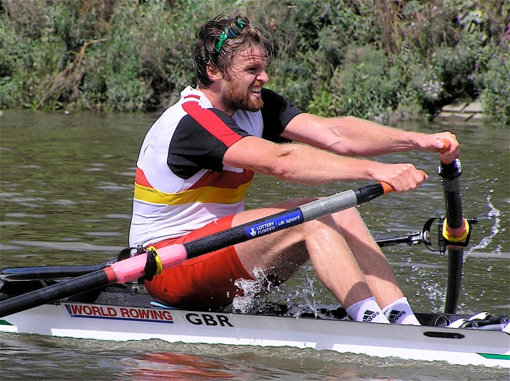 Alan Campbell winning the 2010 WIngfield Sculls.