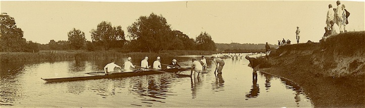 Inter House Fours on the Thames at Radley, 1909. © Radley College and The History of Radley in 100 Objects.