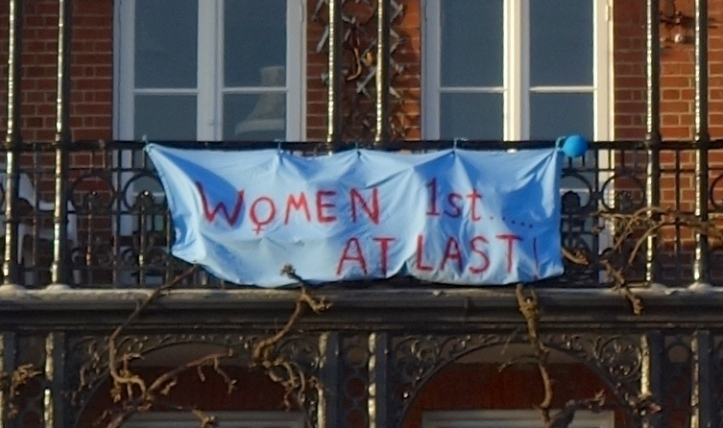 …..but a victory for women's sport. A banner on an apartment block next to Hammersmith Bridge. (HR)