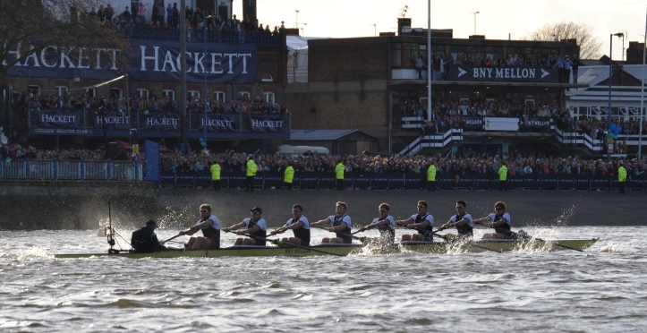 Oxford, a few strokes off the start, passing London Rowing Club.