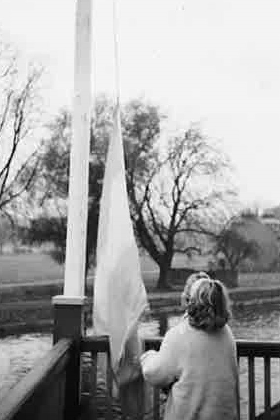 1961 Val Goldsbrough raising the CUWBC flag before the Clare Novices race.