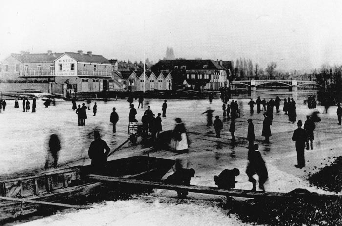 Winter in Brocas Street in 1895.