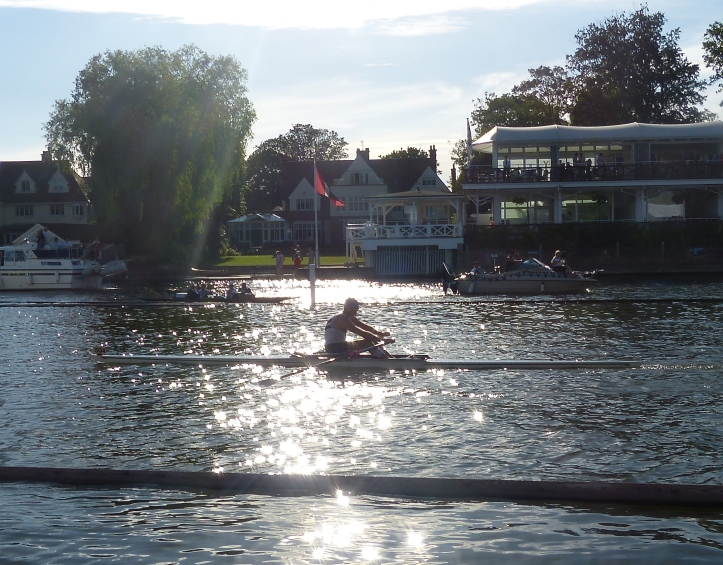 Pic 4. Mahe Drysdale in the final few strokes of his qualifying race for the final of the Diamond Sculls.