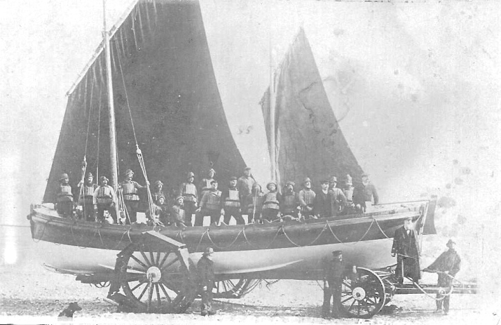 Pic 5. A pulling-sailing lifeboat with its sails unfurled.