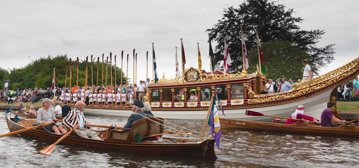Pic 14. 'Gloriana' arrives at Runnymead.