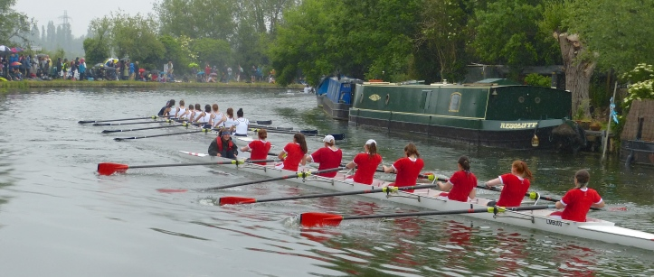 Pic 9. In Women's Division III, Christ's II chases Lady Margaret II. Lady Margaret is the boat club of St John's College.