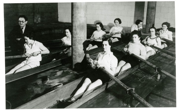 GB Women's crew c. 1930s.