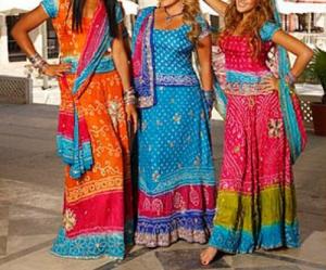 sari robed women