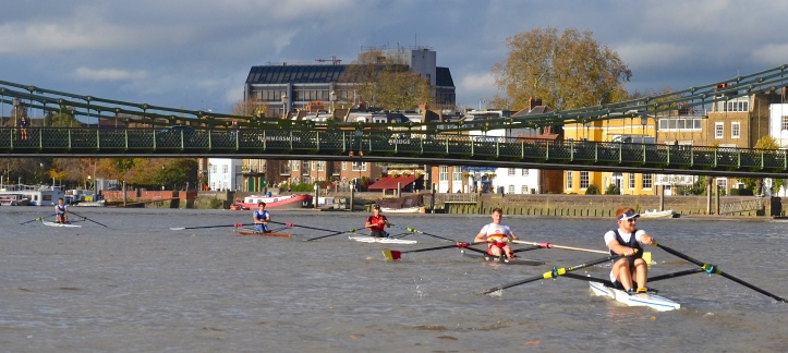 Pic 17. Hammersmith Bridge: Richards (7.58) leads followed by Hale (8.04), Wells (8.06), Kelly (8.12), Blake (8.17) and (out of the picture) Laurence (8.24).