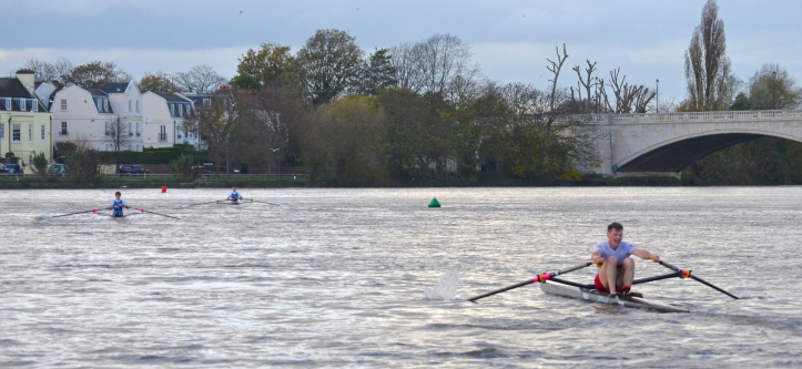 Pic 22. Nearing the finish below Chiswick Bridge: Richards, Hale and Kelly.