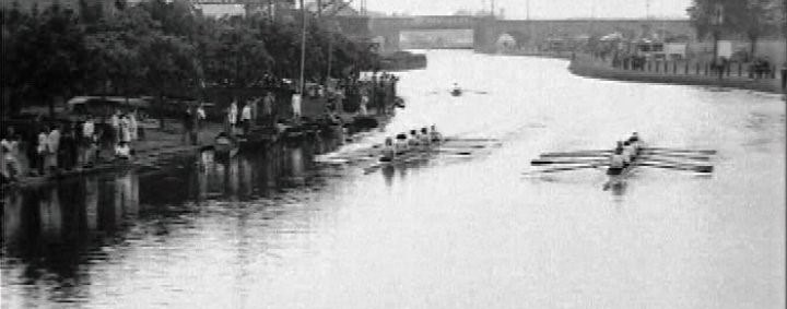 Cecil Ladies racing in their 1925 Club Regatta on the Lea.
