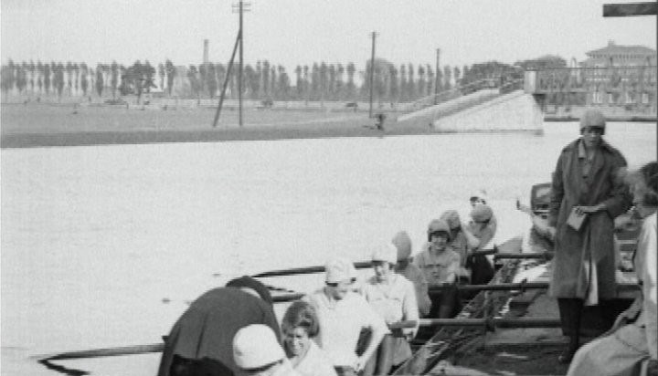 Lord William Cecil getting into the Cecil Ladies Eight.