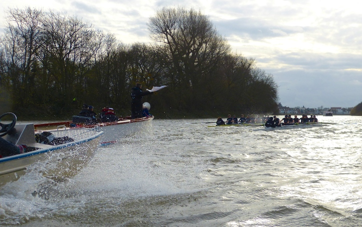 Pic 13. This picture was taken just over a minute after the one above this. The race was back on!