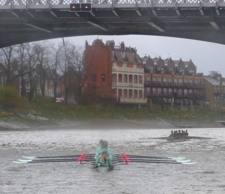 Pic 5. Long before Barnes Bridge, Tideway had started to shorten up, giving Twickenham more distance.