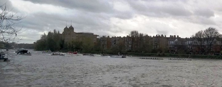 Cambridge Men leading at Hammersmith.