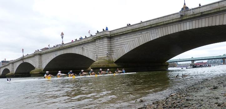 Pic 19. Nottingham University return under Putney Bridge.