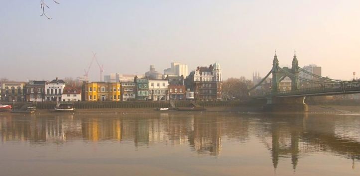 Pic 4. Hammersmith Bridge, the finish point for the Hammersmith Head.