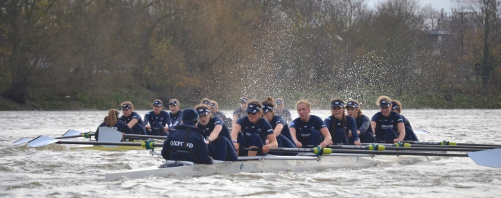 Pic 5. The Oxford women battle it out along Corney Reach.