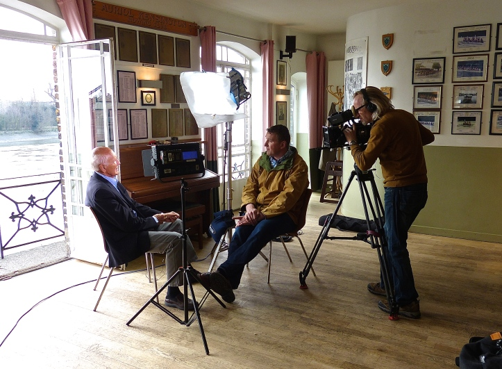 Barry Davies (a veteran multi-sport presenter, including commentating on the Boat Race between 1993 and 2004) and Matthew Pinsent, pictured filming an insert for the 2015 Boat Race coverage. As usual, both did fine work during this year's broadcast.