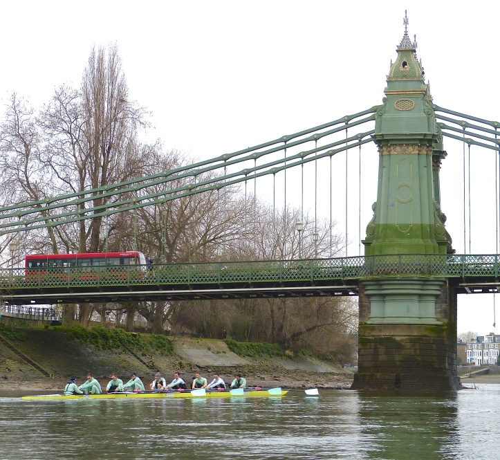 Pic 6. Downstream of Hammersmith Bridge. In the race, this point marks 40% of the distance to be covered.