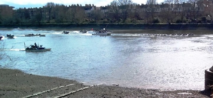 Women's Race, just before the Hammersmith Bridge.