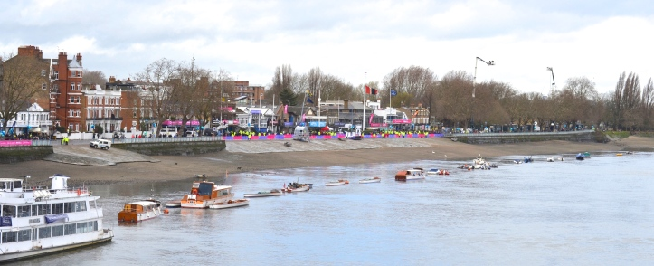 Pic 1. Mid-morning: Putney Embankment pictured from Putney Bridge.