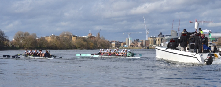 Pic 2. Cambridge took the initial lead when Oxford had a bad start but, by the end of Putney Embankment, the Dark Blues had started to inch ahead. Pictured here at two minutes and thirty five seconds into the race (henceforth referred to in the style '+ 2 min 35 sec') and approaching Barn Elms, Cambridge, rowing at a higher rate, were warned for trying to push Oxford out.