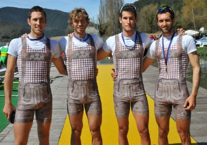 Pic 5. These Italians are presumably from South Tyrol where 'lederhosen' were traditionally worn by some – but lycrahosen?