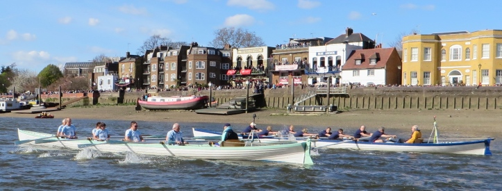 Pic 7. The 2015 Race passing Auriol Kensington Rowing Club at Hammersmith.