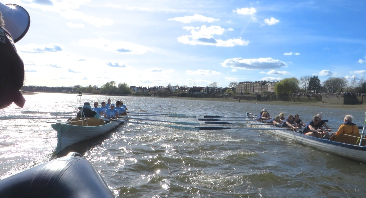 Pic 8. Both crews came close together approaching Chiswick Eyot.