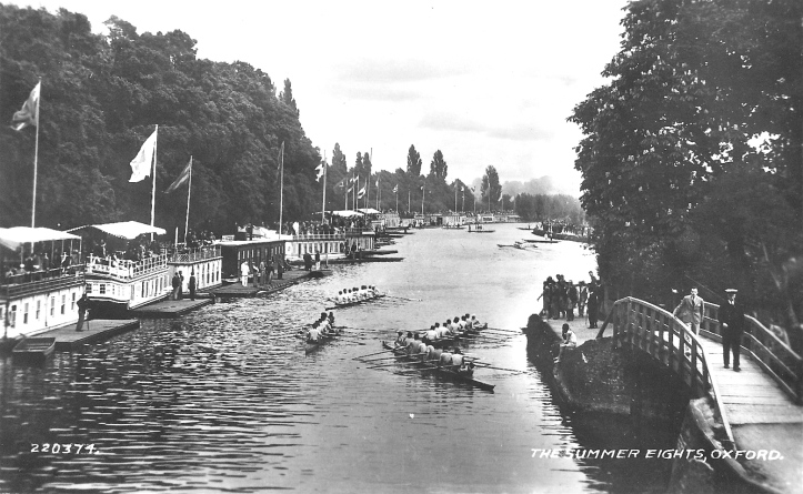 Photographed from Folly Bridge looking upstream in the 1920s. At the peak of their popularity, there were 30 barges along this part of the Isis.