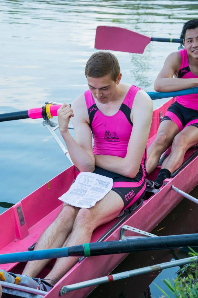 May Bumps and the final week of exams overlap – this rower is clearly dedicated to the cause. Photo: Giorgio Divitini.