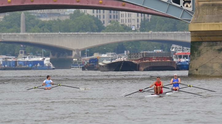 At Blackfriars Rail Bridge – this may the point at which the race was won for Folkard.