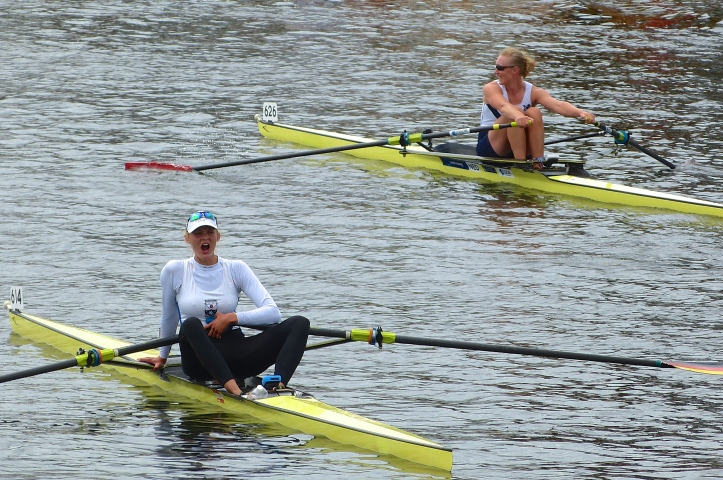 Scheenard (right) enjoyed what the official press release called 'a significant victory' over Anne Beerken (left) where she dominated the race from the outset.