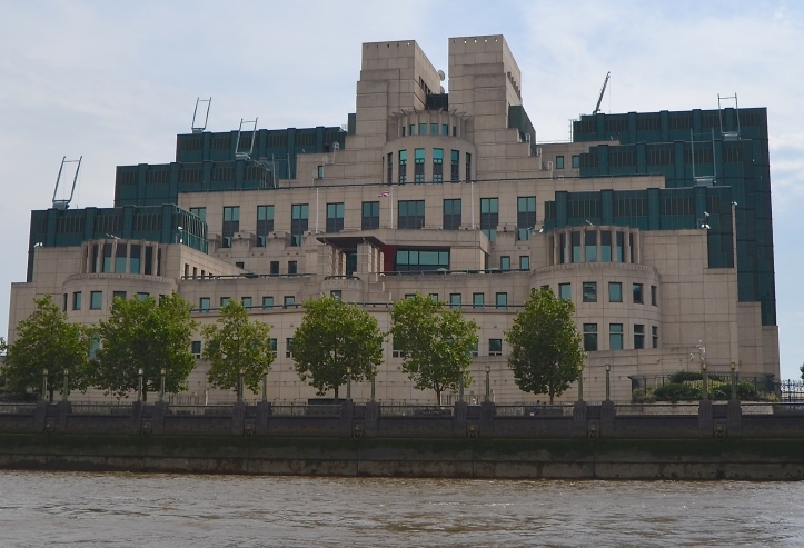 The headquarters of the British Secret Intelligence Service (SIS), popularly called MI6, on the Albert Embankment on the south bank of the Thames beside Vauxhall Bridge.