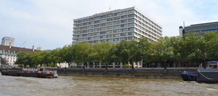 Standing on the south bank opposite the Palace of Westminster, the National Health Service's St Thomas' Hospital and the surrounding area occupies land that, until the building of the Albert Embankment in 1866-1869, included many small industries, notably boat builders.