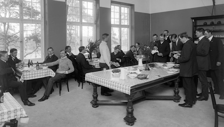 A dining hall for male competitors. Picture: stockholmskallan.se