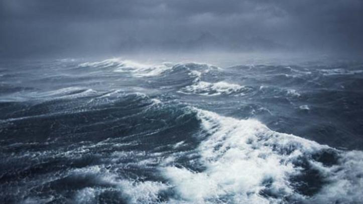 No, this is not the 'stormy seas' on the Rodrigo de Freitas Lagoon in Rio