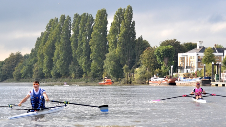 Passing Chiswick Pier. Times to Chiswick Steps: Kirkwood 12.40, Boddington 13.26, Richards 13.29, Christie 13.31.