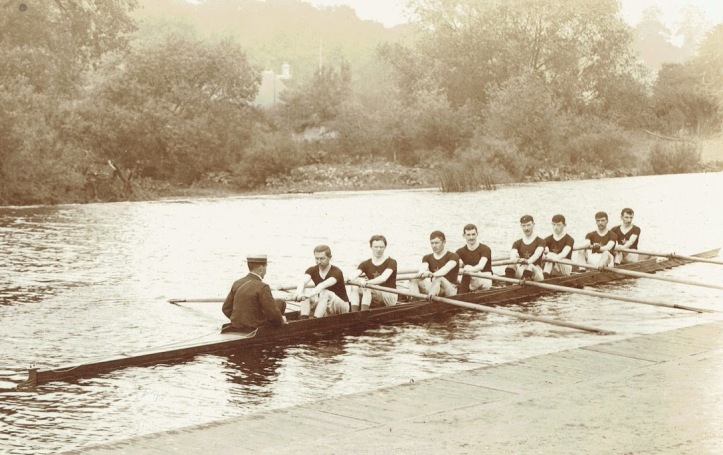 An unidentified Newry RC eight. I'm certain the location is the slipway in front of Dublin University Boat Club. Could this be the crew that raced at Henley in 1903? The same year, they lost at the DUBC regatta to their hosts by a matter of feet and again at Henley Royal Regatta in the semi-final of the Thames Cup by half-a-length.