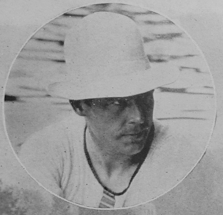 Pic 12. Geoff Morris at Henley, 1923. A hat was necessary during the very hot summer but this high crown number, apparently made from felt, seems most unsuitable to race in. An indicator of future eccentricities perhaps?