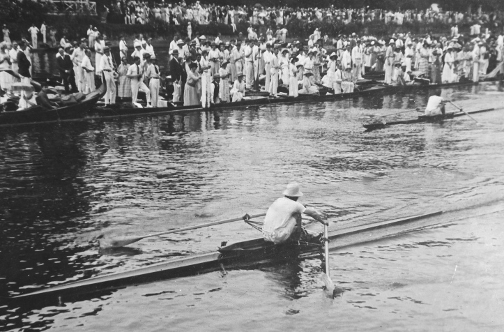 Pic 13. Geoff racing at Henley in 1923. I am not sure of who the opponent in this picture was. Geoff was on this (Berks) station for his races against Earl, Beresford and Gollan.