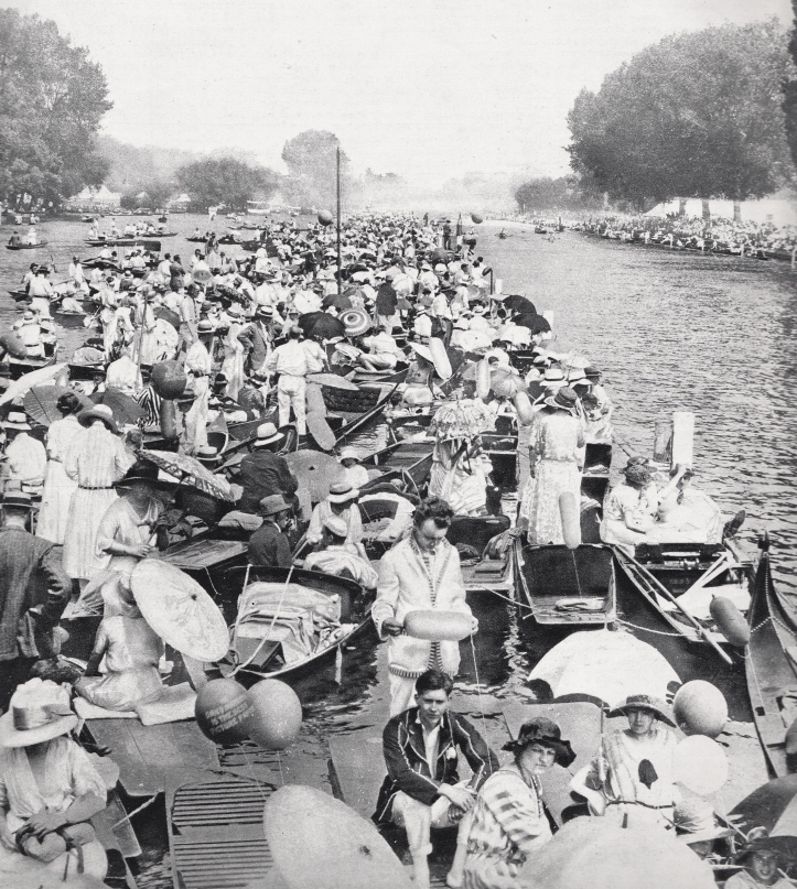 Pic 6. Unlike the previous year, the weather for the Henley Royal Regatta of 1923 was commonly described as 'glorious'.