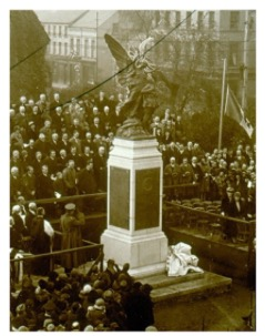 SERGEANT DISPENSER THOMAS SPROTT, 143rd (INDIAN) COMBINED FIELD AMBULANCE, ROYAL ARMY MEDICAL CORP – died 11 OCTOBER 1918. Sprott is named on the Portadown War Memorial pictured above being unveiled on 13 November 1925.