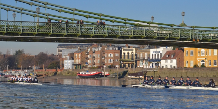 """Heather"" has a comfortable lead at Hammersmith Bridge."