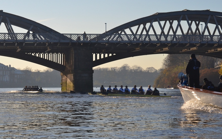 "At Barnes Bridge, ""Daniel"" leads by three lengths."