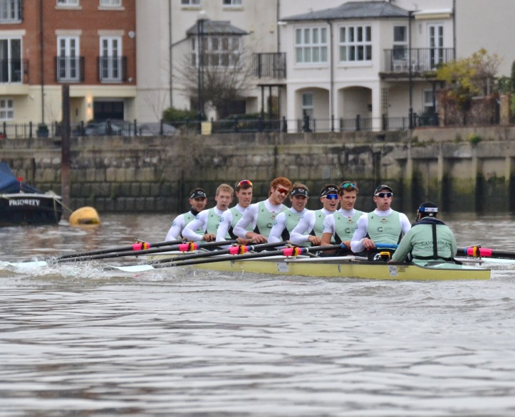 """""""One T"""" approaches Chiswick Pier."""