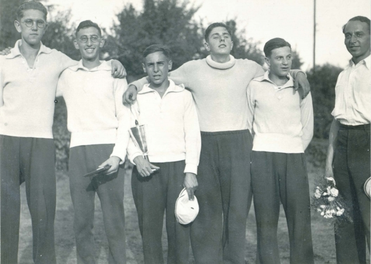 The comments section of the original post has contributions from the daughter and grandson of Fred Eisenberg, third from the right in this picture of men from the Oberspree Jewish rowing club of Berlin. More details of Fred's rowing are here. http://www.jmberlin.de/en/challenge-trophy-best-rower-year Picture: Jewish Museum Berlin.