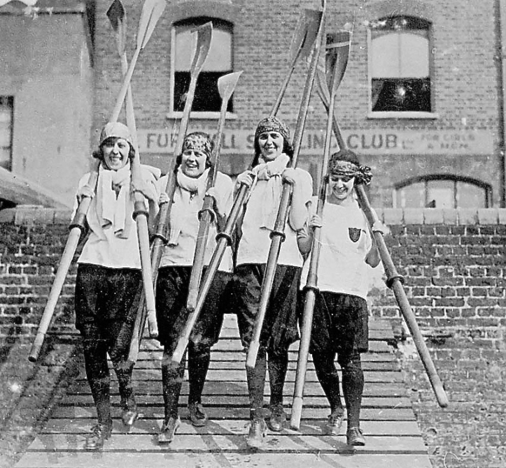 Furnivall Sculling Club 1924, from left L.Ballinger, F. Sadler, F. Powell, Nora Collins