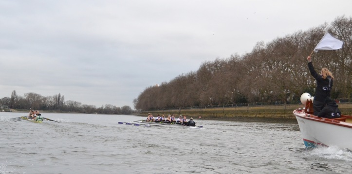 It was clear from the first few strokes that Cambridge were the faster crew and had established a half length lead well before the end of the Fulham Wall. Umpire Sarah Winckless warned both crews early on but Cambridge had already taken the lead and settled into a comfortable rhythm.